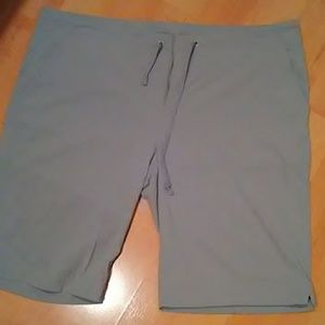 COLUMBIA OMNI-SHIELD SHORTS NWOT